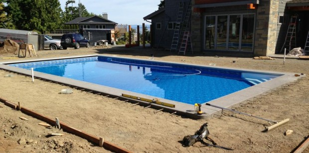 Finishing up the forming of this pool deck!